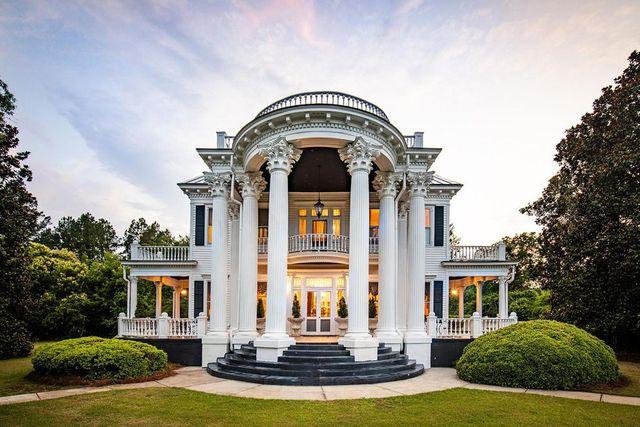 Beaux Arts home in Mayesville, SC