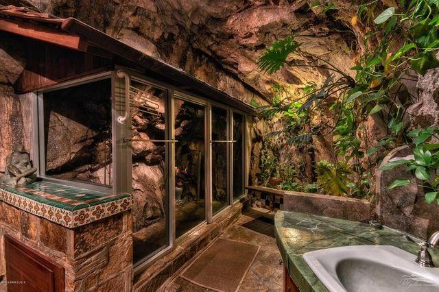 Bathroom Cave house Bisbee AZ
