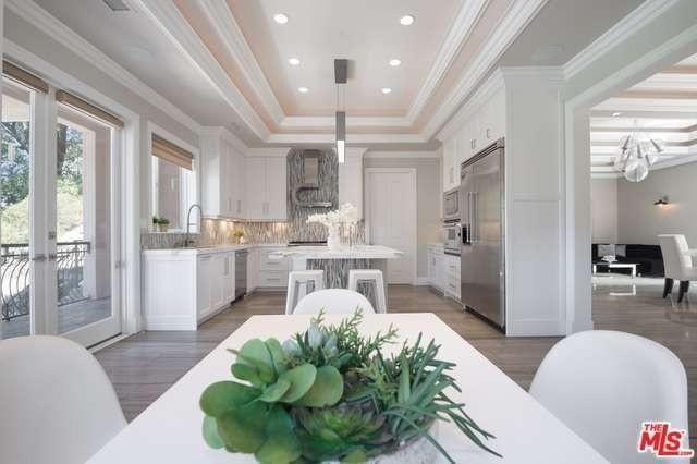 Kitchen in Studio Cityhome
