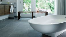 What Is a Garden Tub? A Hot New Bathroom Amenity Explained