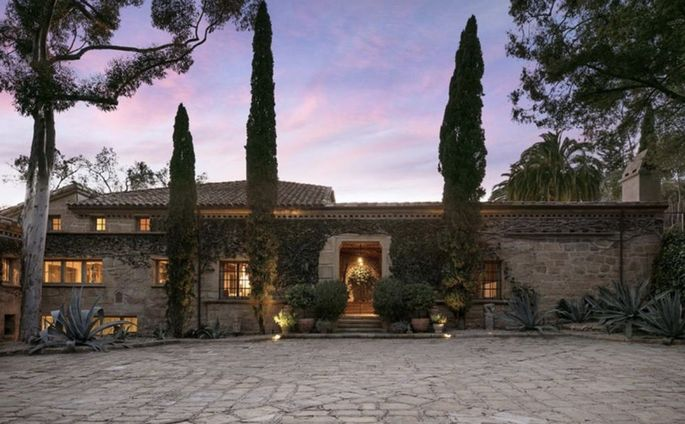 This Tuscan-style stone villa comes with 16 acres