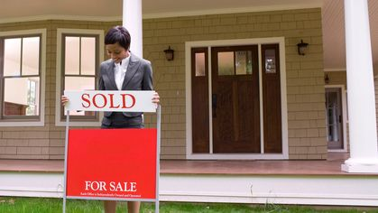 What Are Real Estate Agents' Hours Like?