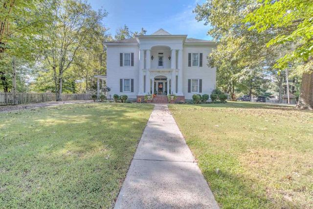 Antebellum house in Ripley, TN