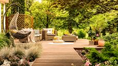 Make Buyers Swoon With These 4 Summer Vignette Staging Ideas