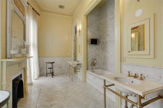 French Quarter Flashback Luxe Townhouse For Sale In New
