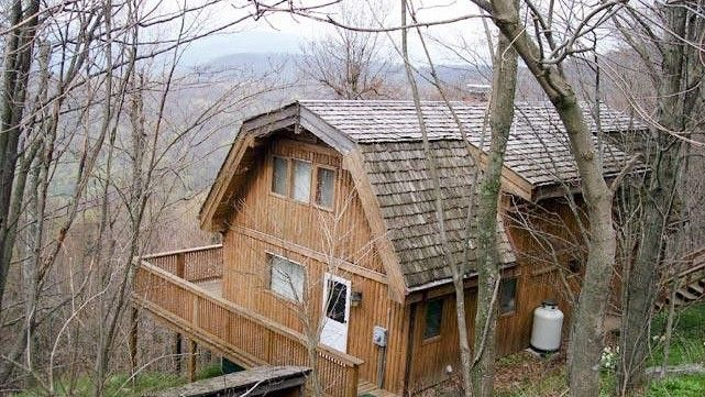 Alpine-style home in Snowshoe, WV