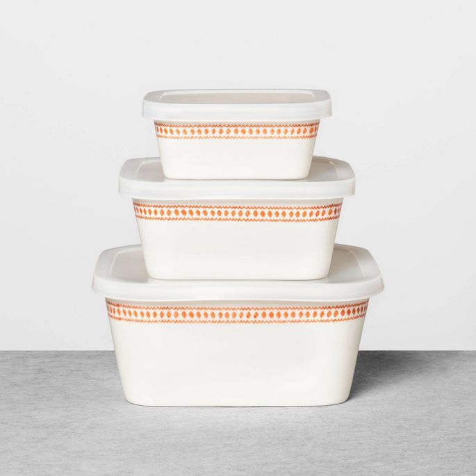 This six-piece set will help you stylishly contain those leftovers.