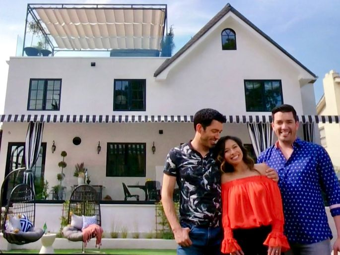 Drew Scott purchased this $2.3 million home in L.A.'s Hancock Park neighborhood, and after extensive renovation it's now estimated to be worth almost twice that much.