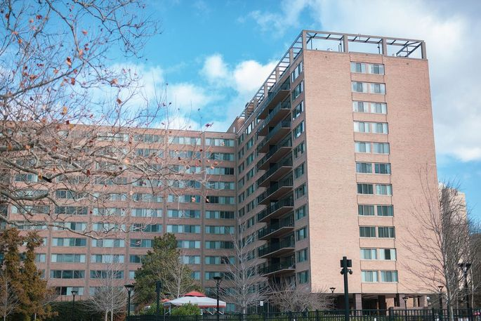 Amazon helped Washington Housing Conservancy acquire a multifamily property in Arlington, Va.