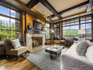Sunday Sports Page: Blue Jays' Jose Reyes Buying NY Mansion?