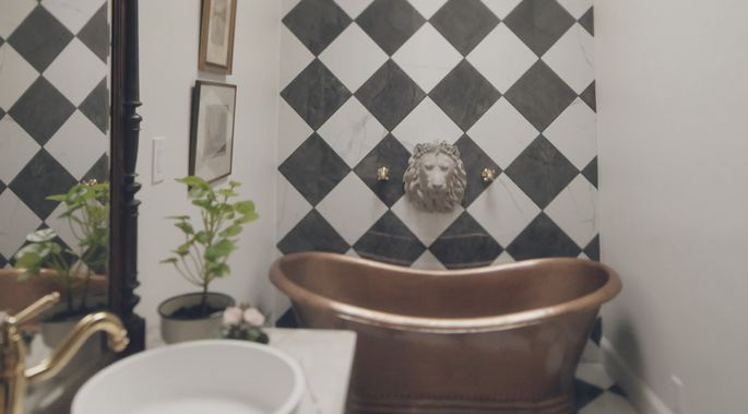 This black and white tile is bold, and it looks great.