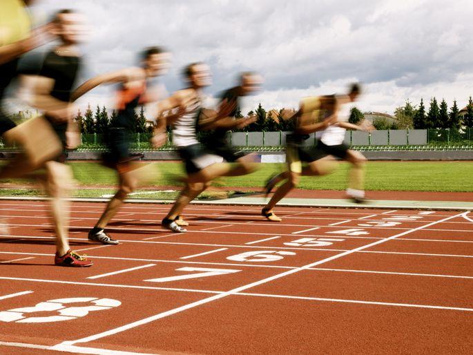 runners finish line