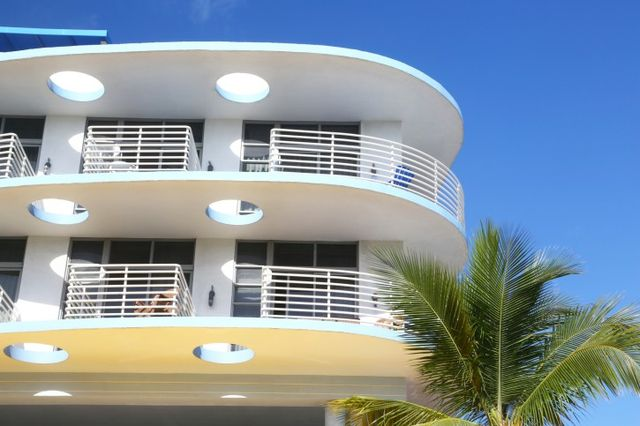 Key Features Of The Art Deco House