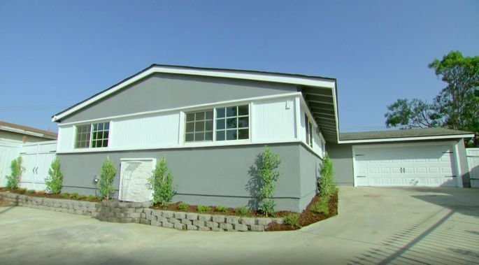 This gray color brings the curb appeal way up.