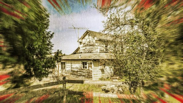 Do You Dare Enter Any of These 10 Abandoned Homes for Sale?