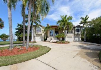 Retired MLB Pitcher Graeme Lloyd Offers Gulf Home in FL