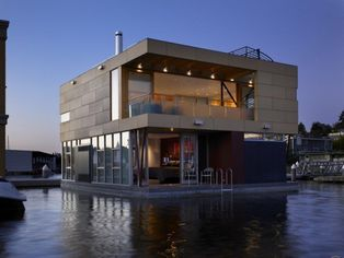 Ultra Modern Lake Union House Boat for $3.45 Million (PHOTOS)
