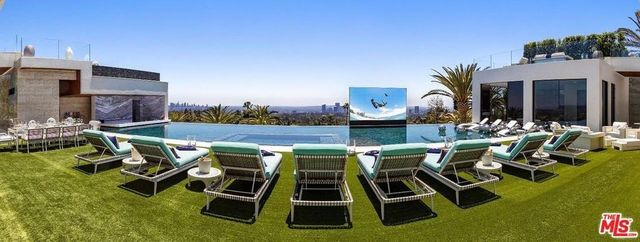 The pop up pool side theater