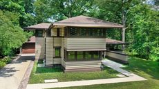 Frank Lloyd Wright Prairie School-Style Home Is Listed in Illinois for $950K