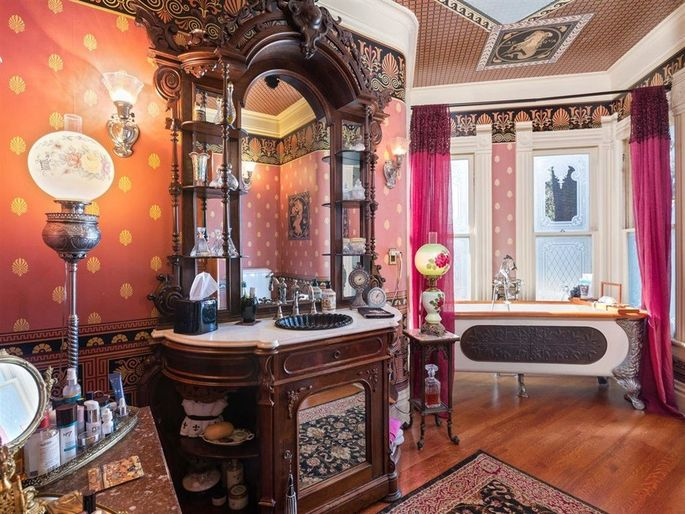 Bathroom with antiques