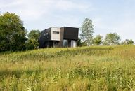 'Living in a Cloud': A Modernist Home in the Hudson Valley for Less Than a Million