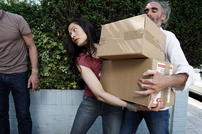 helping-friends-moving