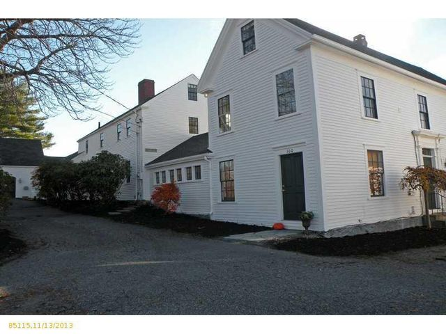daryl-hall-of-hall-oates-selling-restored-colonial-in-maine-35