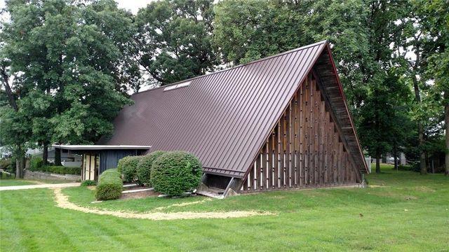 Church in Saint Louis, MO a-frame exterior