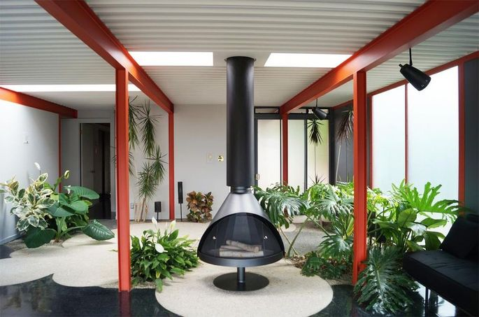 Eichler X-100 Steel House by A. Quincy Jones
