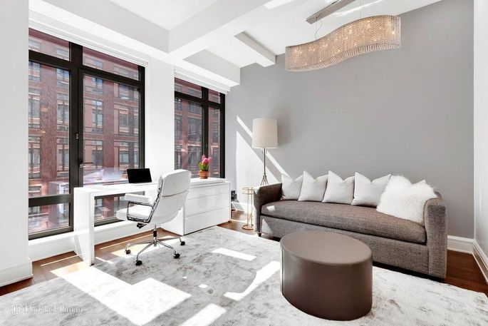 A bedroom that can be used as an office