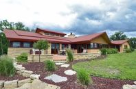 Wright Would Be Proud: Taliesin-Style Marvel in Wisconsin Lists for $1.6M