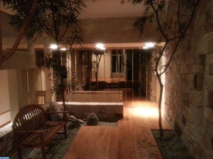 Zen-like indoor area