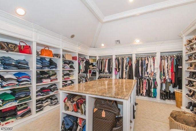 Grand closet