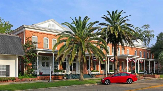 Historic Florida Hotel Opens Its Doors to a New Homeowner for $599K