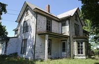 Pros and Cons of Buying a Distressed Property