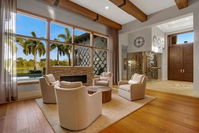 Pga star louis oosthuizen selling a primo mansion in palm for Living room channel 10 codeword
