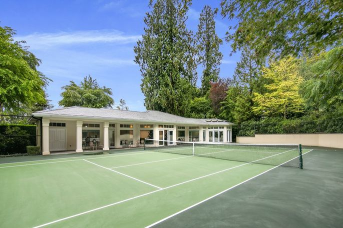 Love These Places 13 Smashing Homes For Tennis Fans Realtor Com