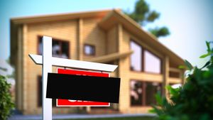 Should You Take Your House Off the Market? 6 Signs It's Time