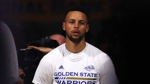 Stephen Curry Lost Oodles of Cash Selling His Home—and You Won't Believe Why