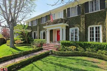 "Neal McDonough Of ""Band Of Brothers"" And ""Desperate Housewives"" Lists In Los Angeles"