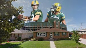 All Kneel: Football Fantasy Home Near Lambeau Field Is The Week's Most Popular Listing