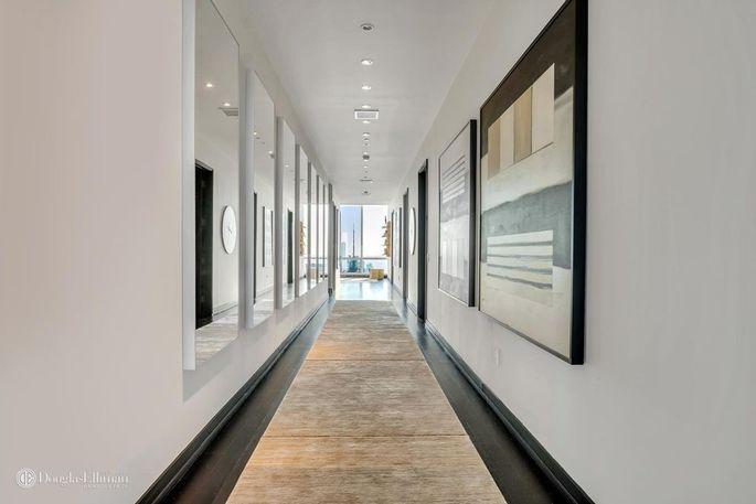 Hallway can showcase artwork.