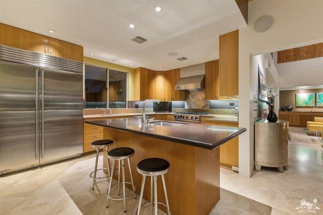 kitchen before (1)