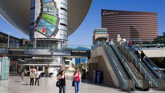 Vegas offers many options for telecommuting, and plenty of distractions.