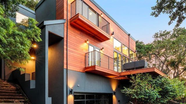 Acclaimed Architect Creates Sensational Bay-Front Space in Sausalito