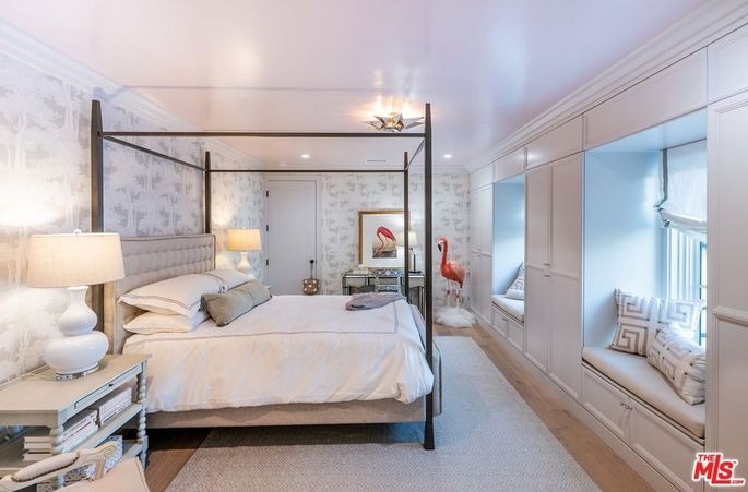 Bedroom with window seats