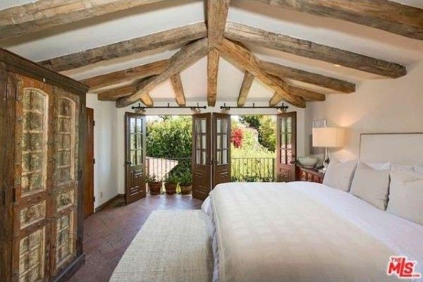 Bleached wooden beams dominate the ceilings.