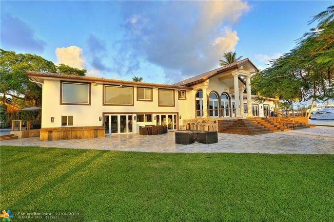Jeff Bridges' Montecito home, purchased by Oprah