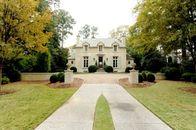 Cleveland Indians Pitcher Derek Lowe Selling Atlanta Home