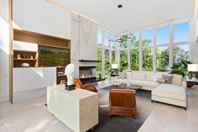 Living room Hamptons modern house